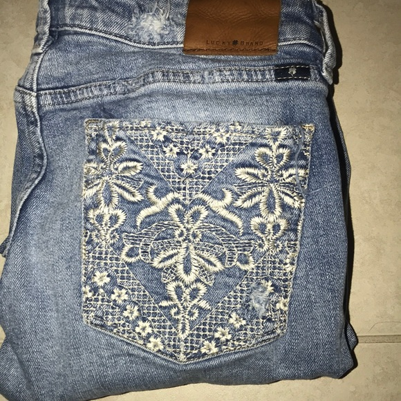 Lucky Brand Denim - Adorable lucky brand embroidered jeans!!